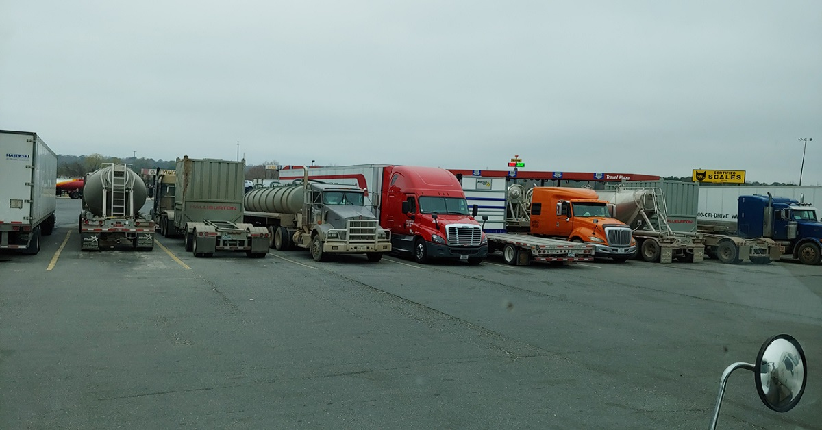 How Do You Choose a Trucking Company?